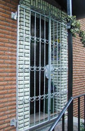 Gittertür 1