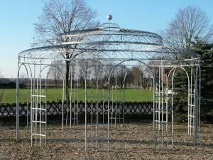 Großer Pavillon (5m) aus Metall