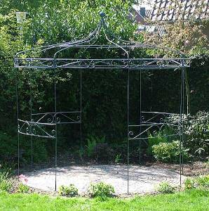 Gartenlaube aus Metall