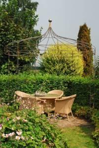 Stabile Gartenlaube