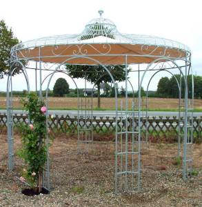 Rosenpavillon aus Schmiedeeisen