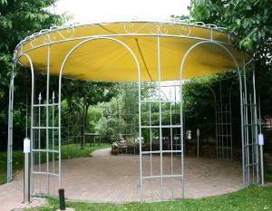 Runder Pavillon aus Metall
